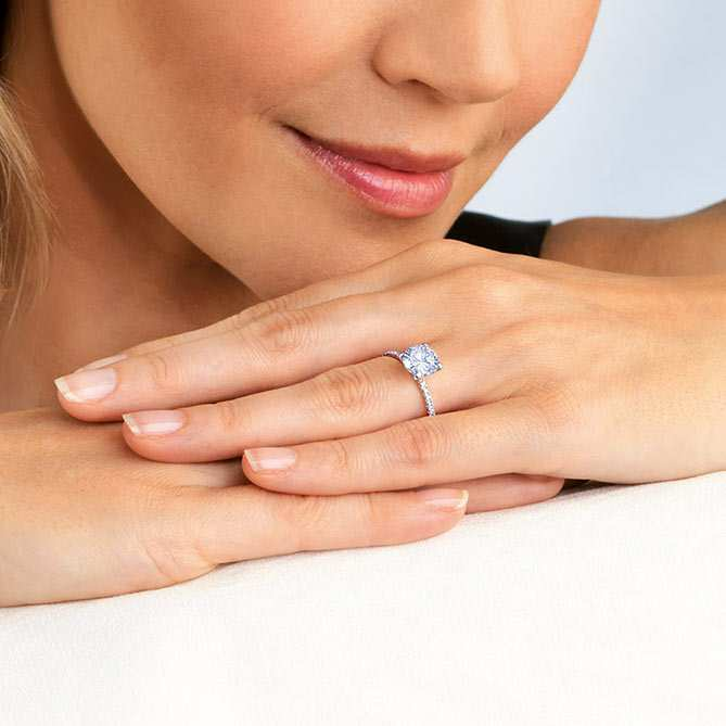 Anillo solitario de Topacio y Diamantes Je t´aime: Diamantes