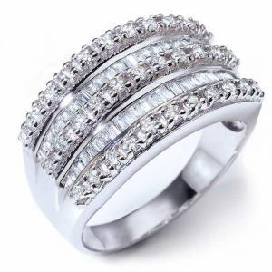 Anillo de diamantes Tiara Real: Diamantes talla brillante